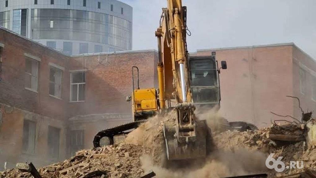 «Маяк» начинает стройку на месте снесенного здания ПРОМЭКТа. Что там будет