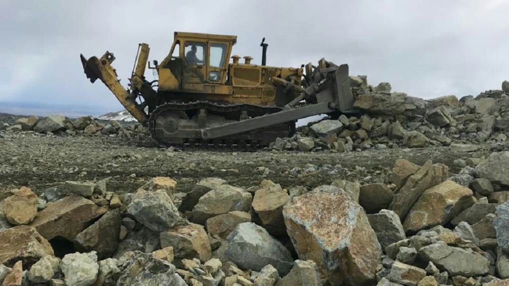 Шахты и рудники загрязняют природу Северного Урала. Отравленные реки текут к уникальному заповеднику