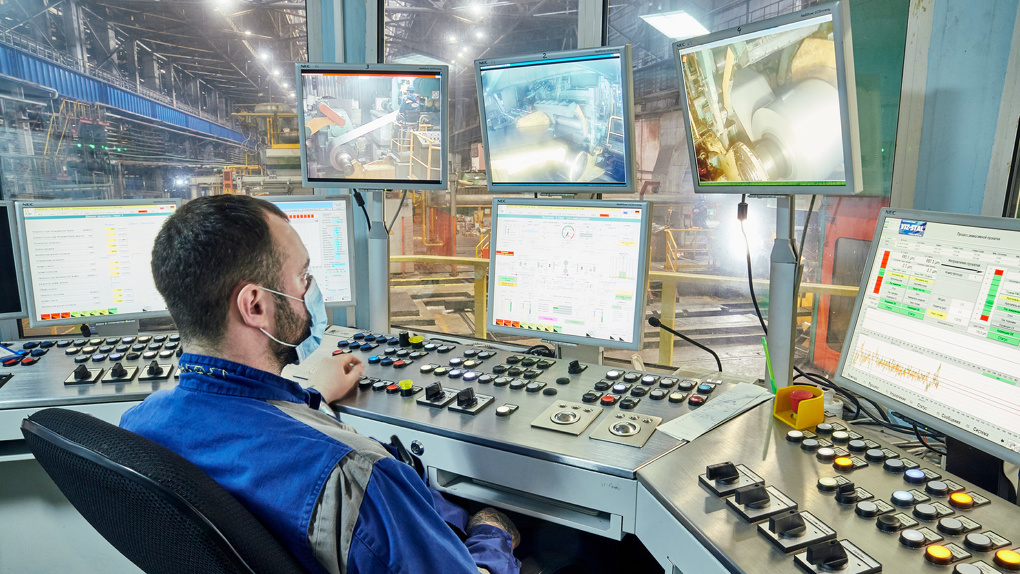 ВИЗ-Сталь и ВИЗ направили более 143 млн рублей на защиту от Covid-19 и социальную поддержку работников