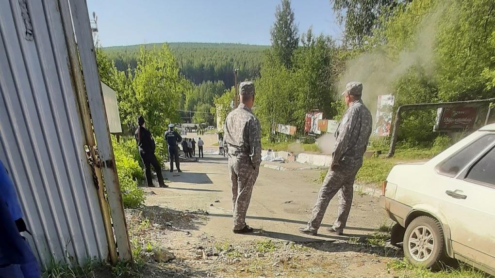 В Свердловской области автобус въехал в толпу, шесть человек погибли