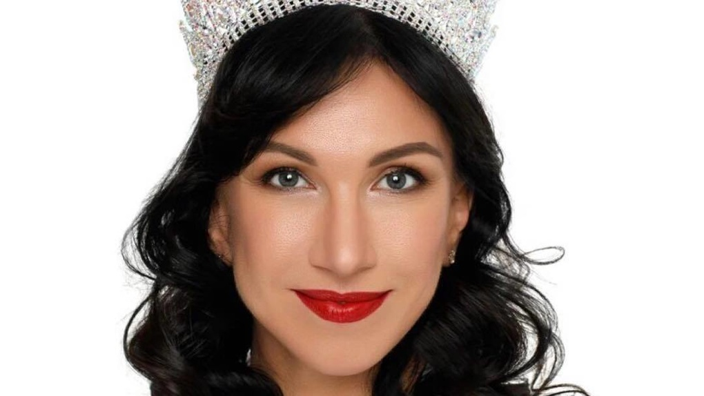В конкурсе «Миссис Вселенная Классик – 2020» победила гинеколог из Санкт-Петербурга