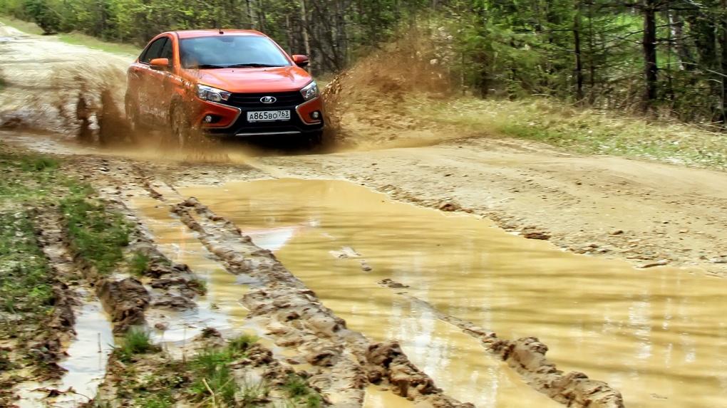 «Я у мамы гряземес»: пять вопросов седану Lada Vesta Cross