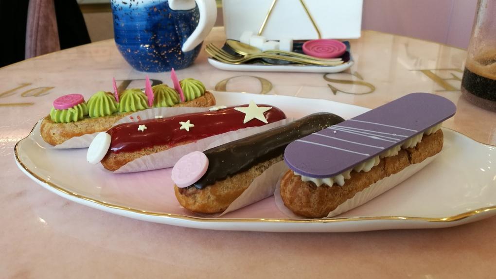 Острая эклерная недостаточность: Яков Можаев уничтожает десерты в «La Rose»