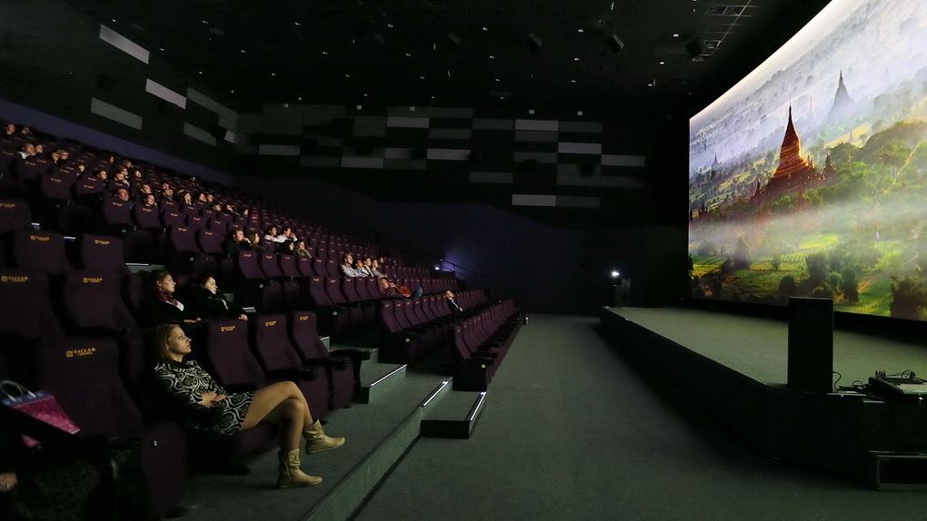 Фонд кино составил топ-10 самых успешных фильмов в прокате 2020 года. И это не самый вдохновляющий список