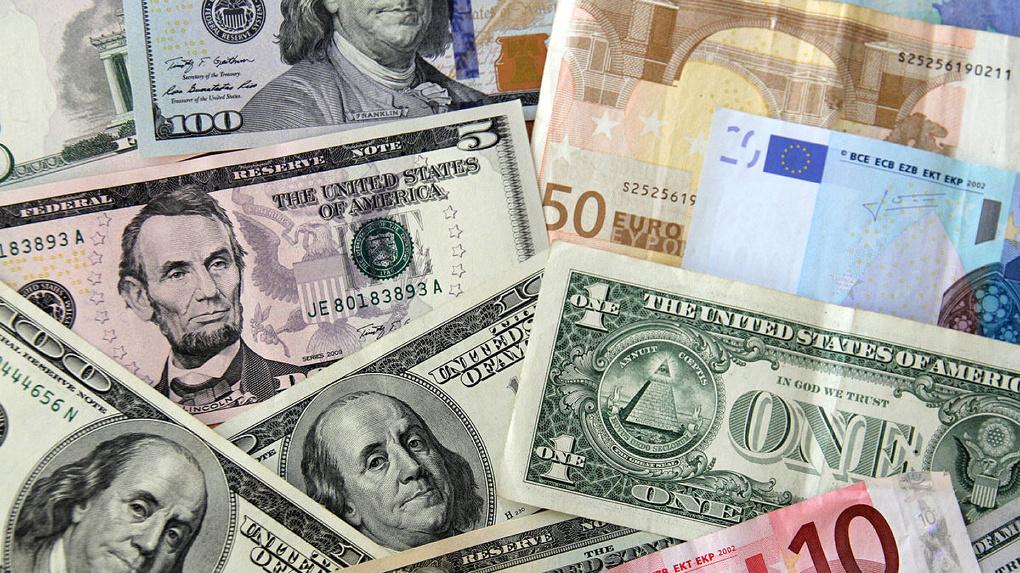 Последний раз евро стоил 100 рублей в декабре 2014 года. Когда ждать повторение «черного вторника»