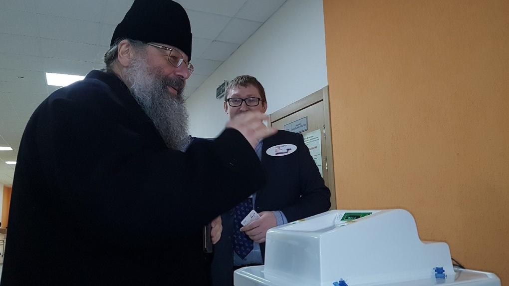 В день президентских выборов митрополит Кирилл посоветовал верующим помолиться о власти