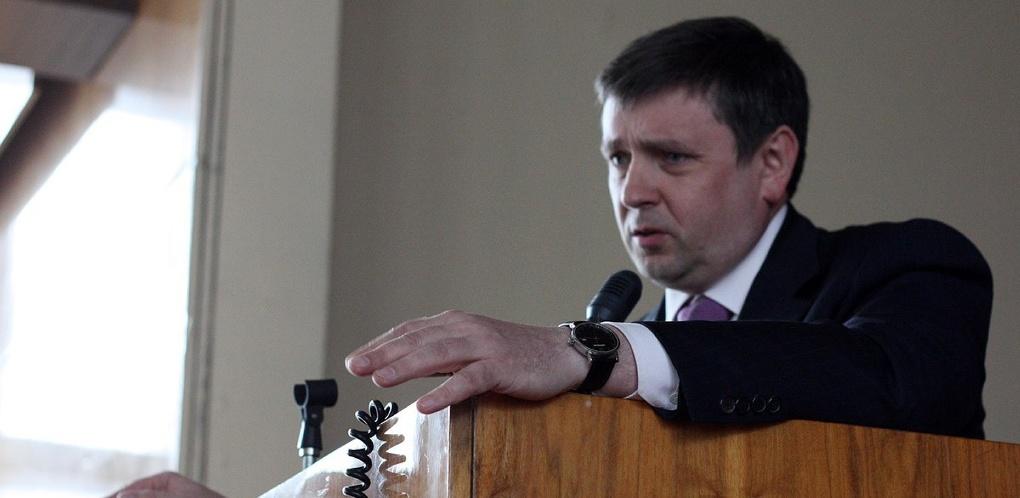 Кокшаров: «Сокращаем не людей, а ставки! Кому не нравится реформа УрФУ — волен уйти»