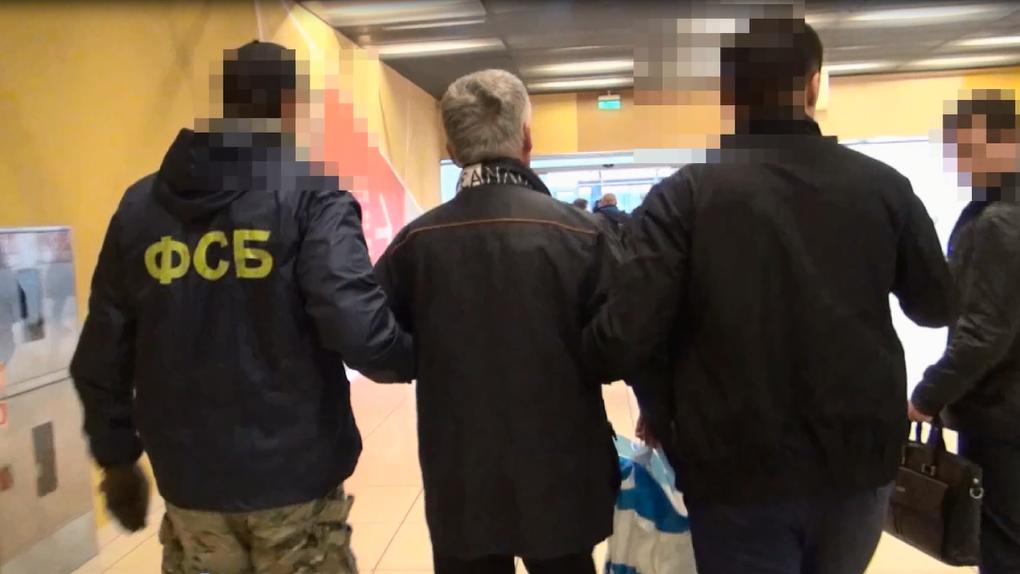 Следователи готовятся отпустить под подписку главу Кировского района, подозреваемого в мошенничестве