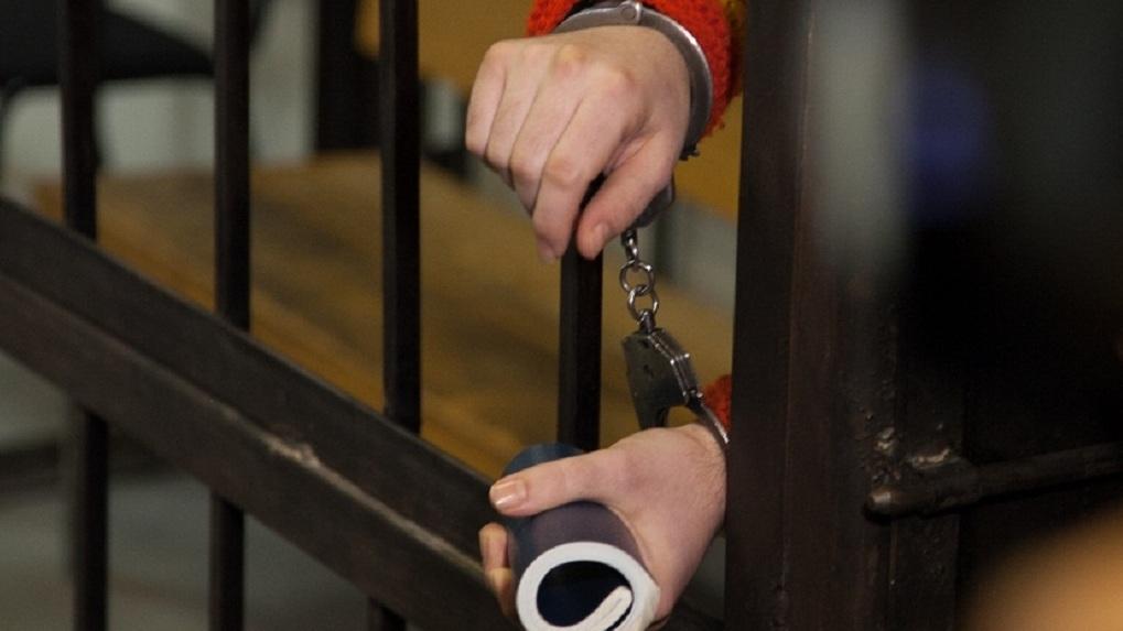Суд отправил за решетку дворника, который заколол студентку ножом