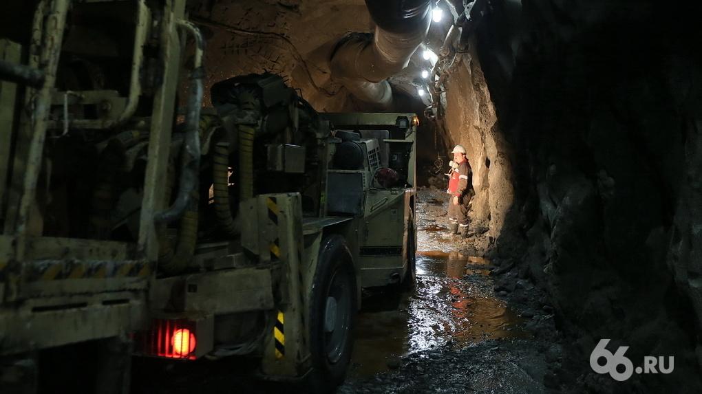 Шахтеры уральской изумрудной шахты объявили о забастовке под землей