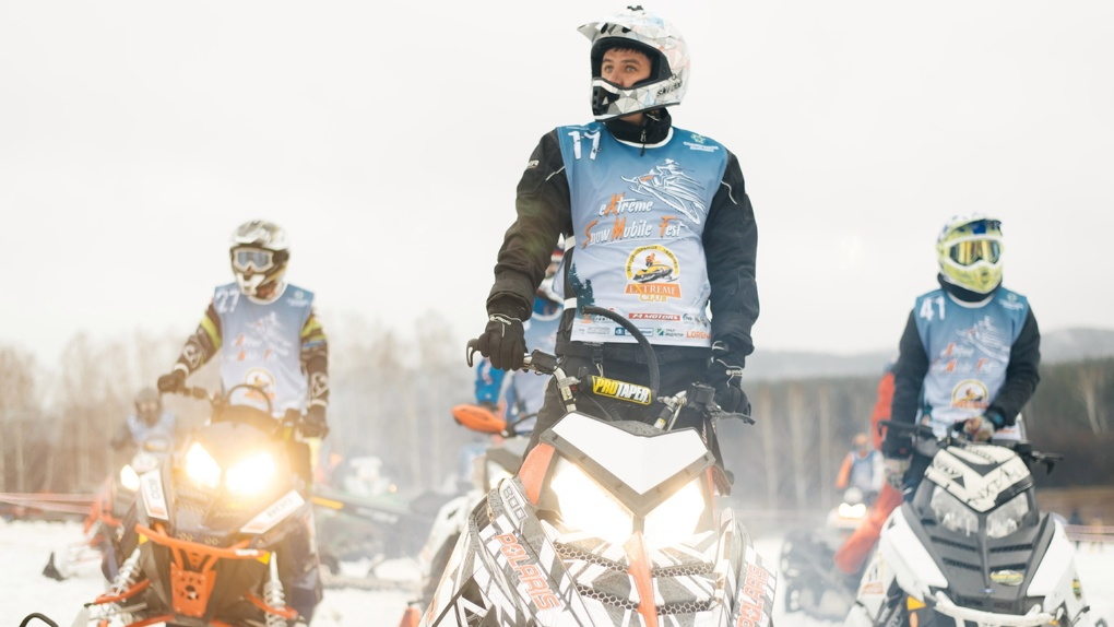 Смесь экстрима, адреналина и ярких эмоций на «King of the hill» — экстрим-фесте на снегоходах