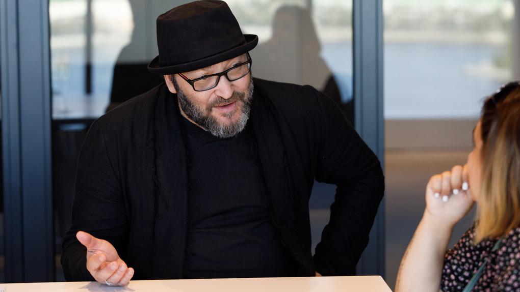 «Нового Цоя нет и не будет»: Михаил Козырев — о цензуре, Екатеринбурге и личных запретах на музыку