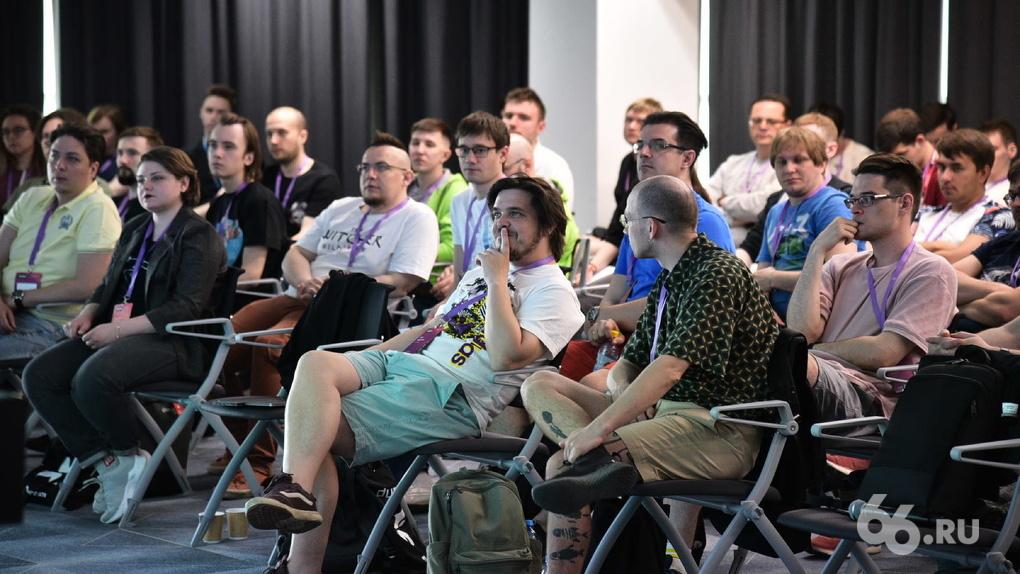 Девопсы, скрам и быдло-кодеры: как журналист 66.RU сходила на IT-конференцию и даже кое-что там поняла