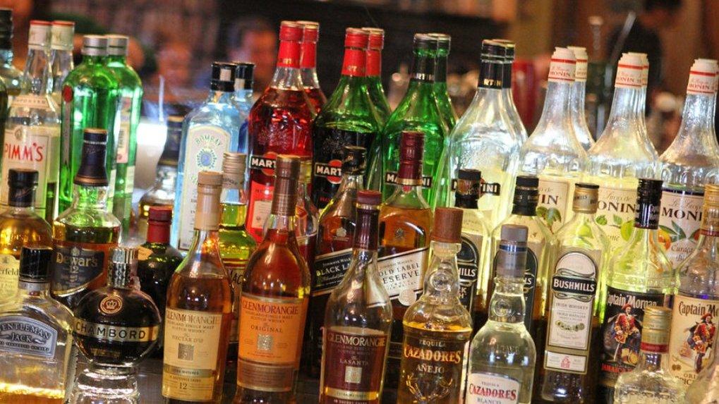Не пейте много, падайте на бок: четыре совета от врачей, как не оказаться в травмпункте под Новый год
