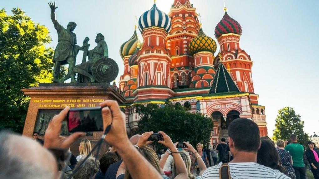 Туристы и местные начали друг друга раздражать. Итоги сезона внутреннего туризма в России