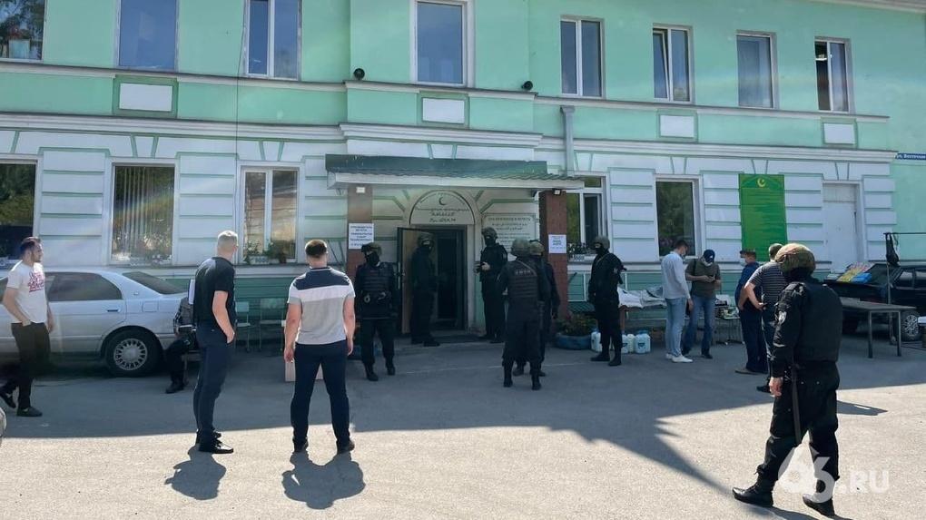 Полиция задержала 10 человек в мечети Нижнего Тагила