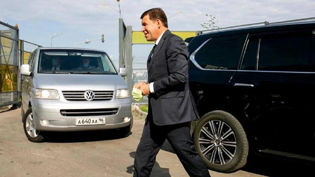 Куйвашев отдал часть правительственного автопарка врачам и попросил сделать также всех свердловских мэров