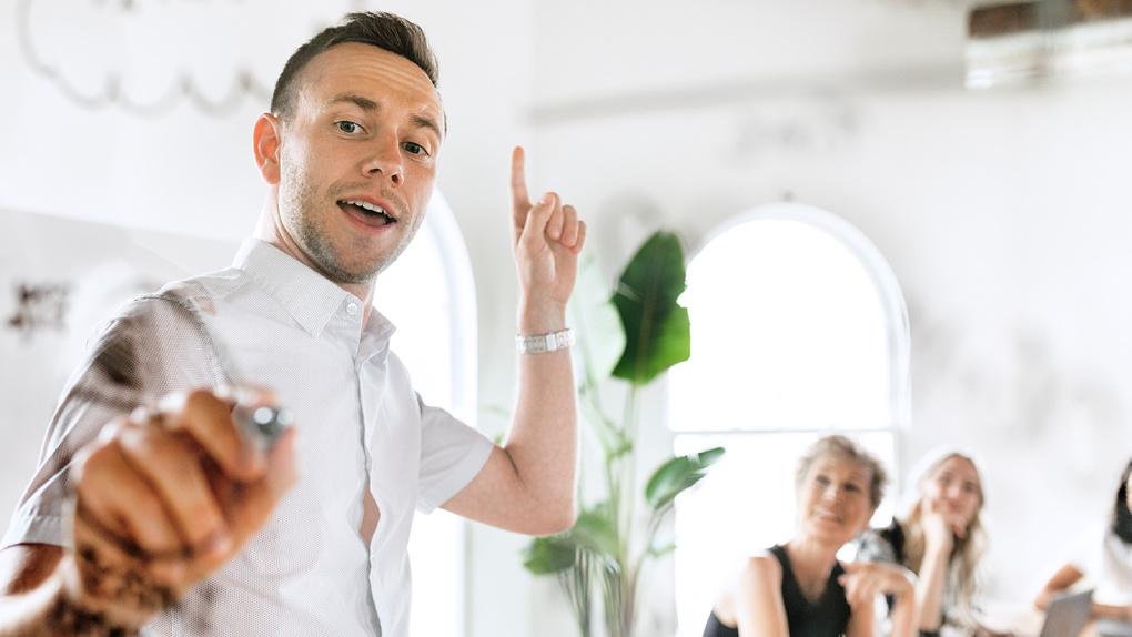 Как избавиться от страха выступлений и научиться убеждать. Бесплатный курс для предпринимателей