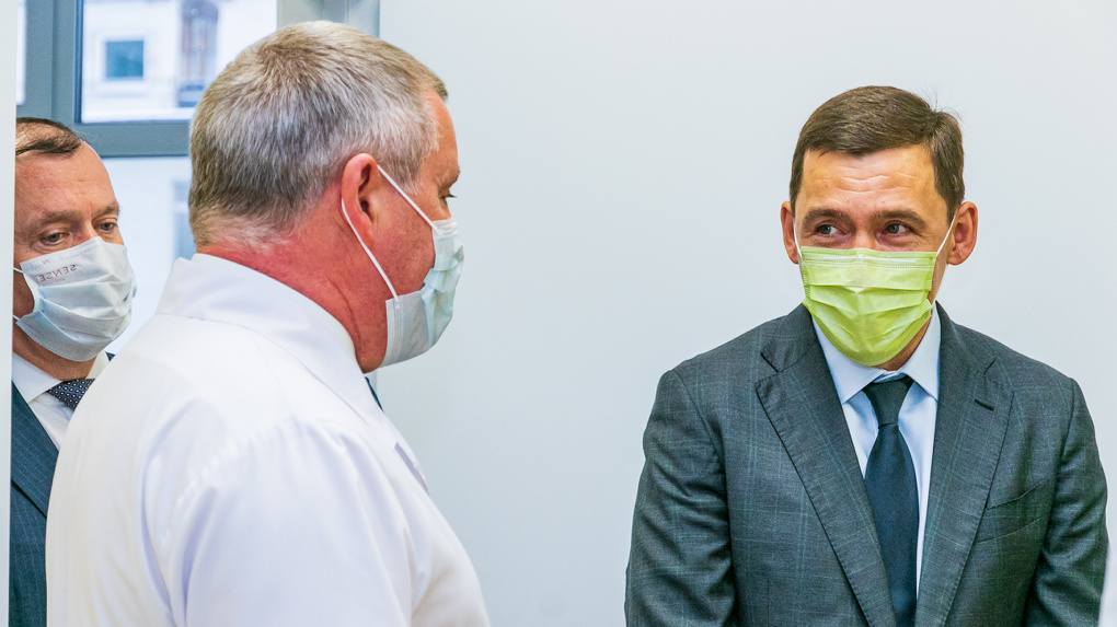 Евгений Куйвашев отправил врачей в школы, чтобы ликвидировать очереди в детских поликлиниках