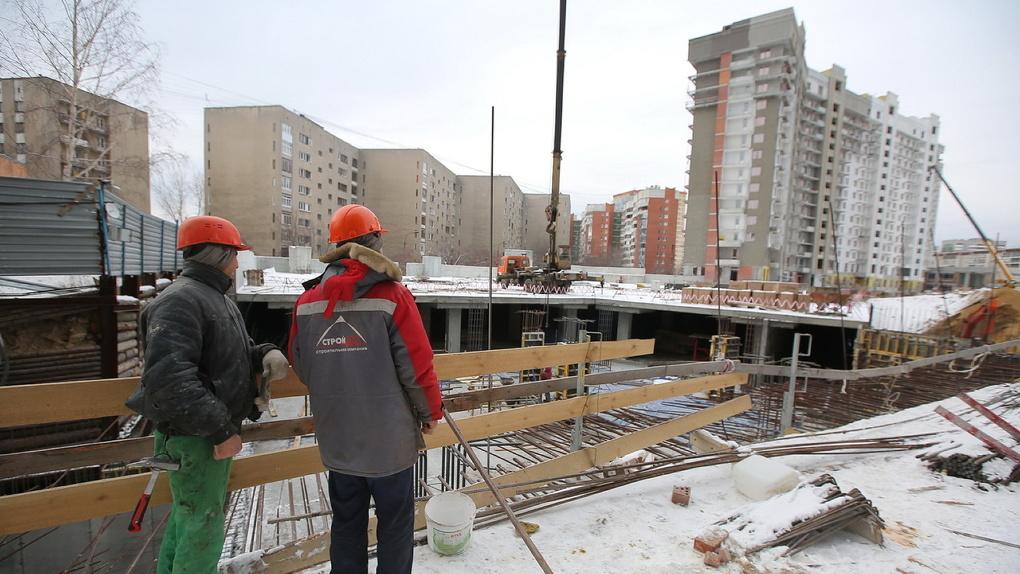 Первый Николаевский. Что происходит за строительным забором скандального недостроя на Готвальда