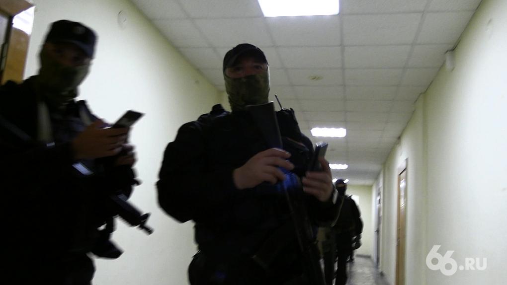 Следователь открыл дверь своим ключом: подробности обысков у сотрудников штаба Навального в Екатеринбурге