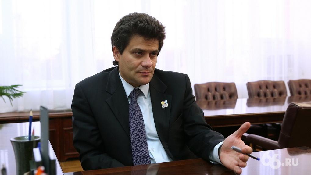 «Любой будет лучше него»: депутат добивается отставки Высокинского из-за вспышки коронавируса в ЦГКБ №1