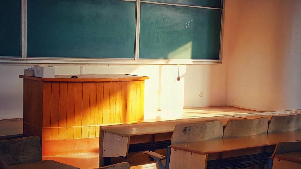 Екатеринбургские школьники, прежде чем вернуться за парты, освежили знания в интернете