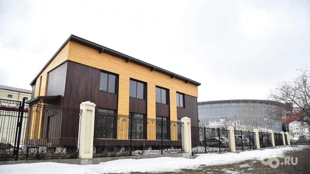 В Екатеринбурге возобновили строительство торгового центра на территории СИЗО № 1