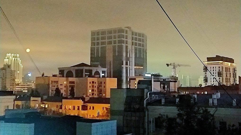 Екатеринбург накрыл смог. Это точно из-за пожара под Первоуральском?