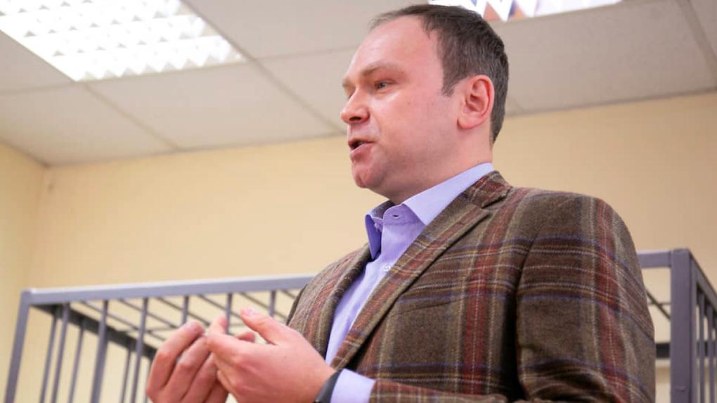 На политолога Федора Крашенинникова завели уголовное дело из-за поста о суде над Навальным