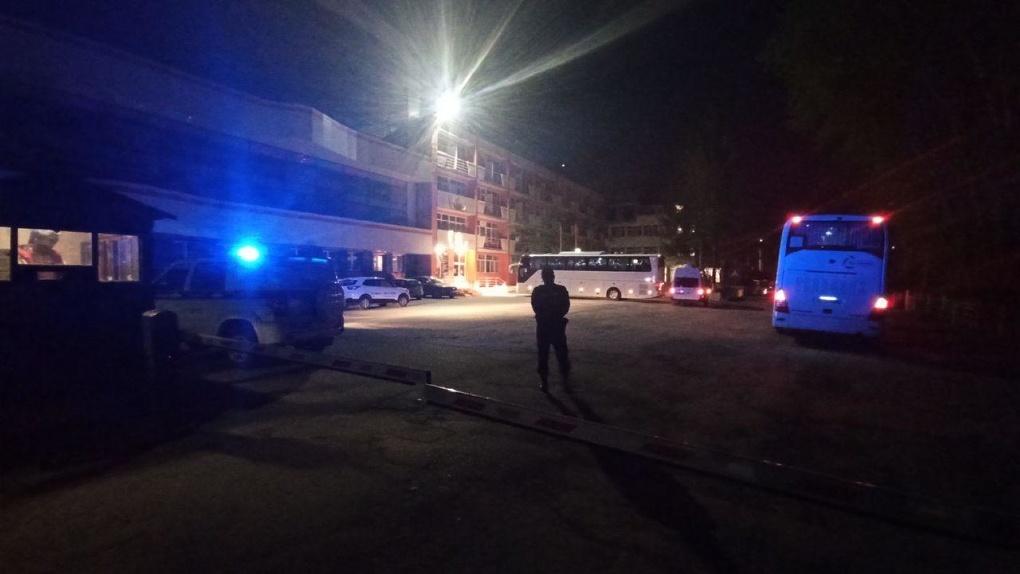 Вернувшихся из Израиля туристов заперли в отеле в черте Екатеринбурга