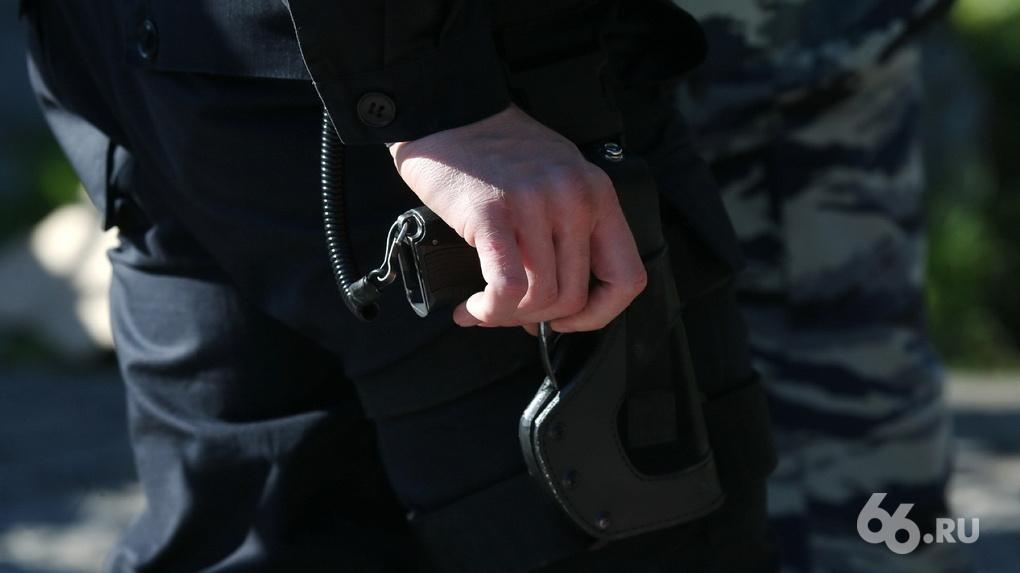 Участника пикета в поддержку Хабаровска оштрафовали за то, что он не закрыл лицо маской