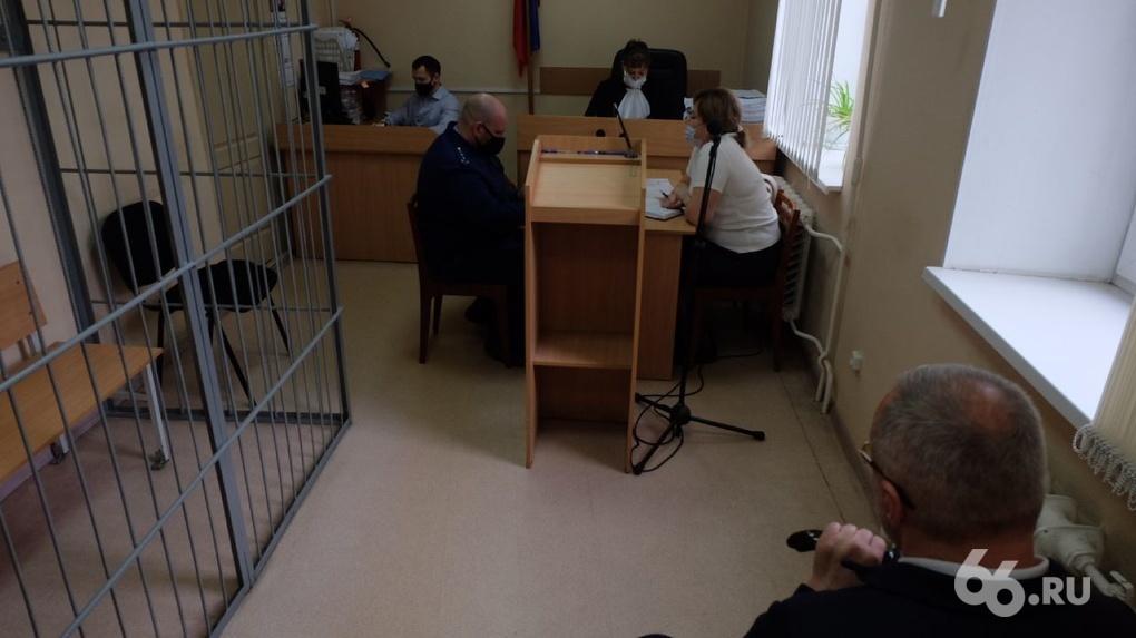 «Это художественное произведение»: в Екатеринбурге стартовал суд над авторитетом Андреем Овчинниковым