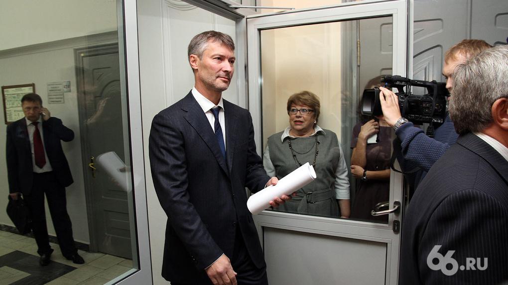 Гордуму собирают на внеочередное заседание, чтобы побыстрее отправить Ройзмана в отставку
