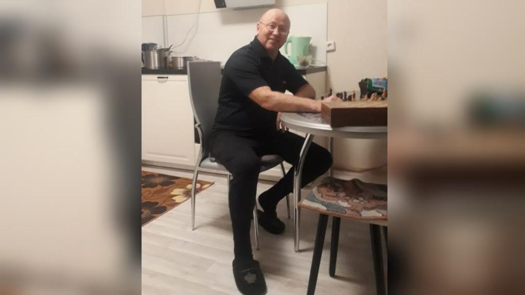 В Екатеринбурге три дня ищут 70-летнего тренера по боксу, который ушел на пробежку и пропал