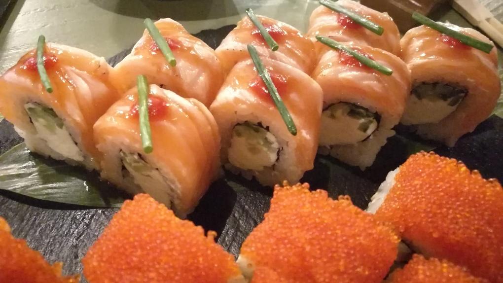 Иногда они возвращаются: Яков Можаев ужинает в ресторане азиатской кухни Mio