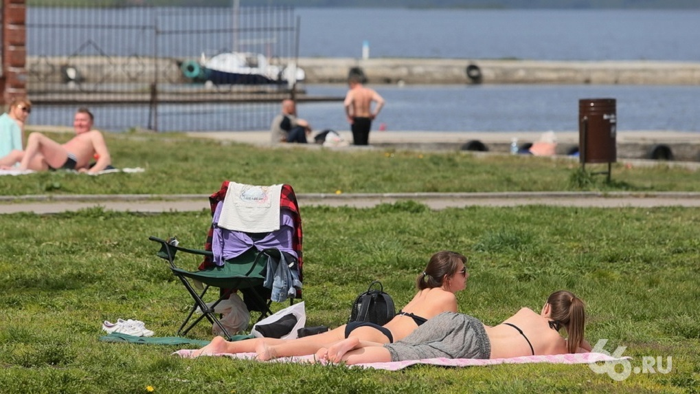 От диких пляжей до крытых бассейнов: 10 мест для купания, если у вас нет машины