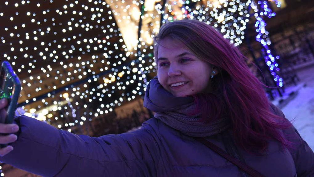 «А сфоткай меня с елочкой и с теми быками». Девять локаций для новогодней фотосессии в Екатеринбурге