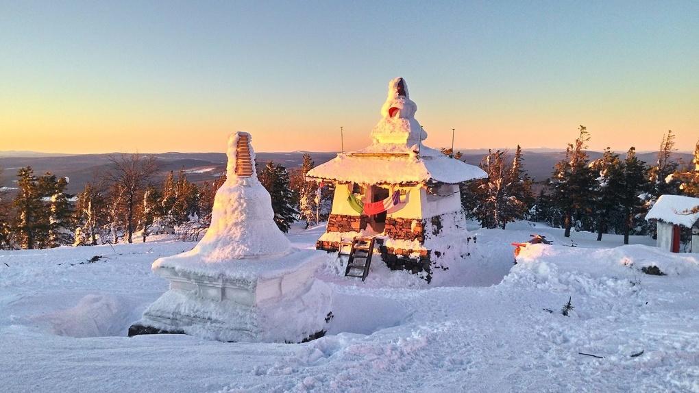 Буддисты покинули горный монастырь «Шедруб Линг»