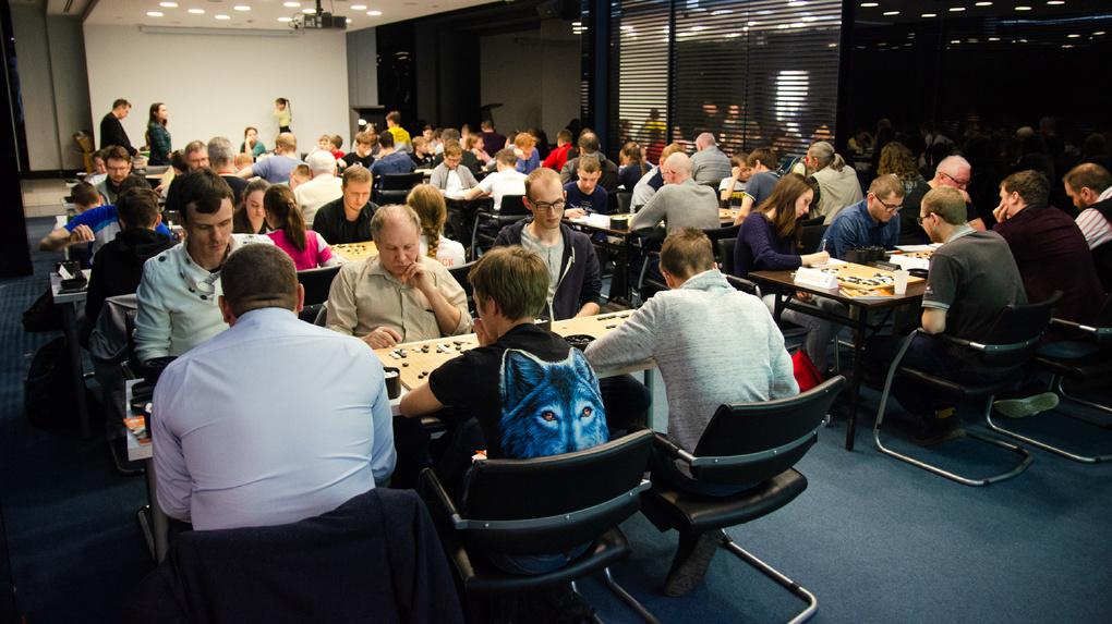В Екатеринбург на турнир по игре го съехались сто спортсменов от Калининграда до Карпинска