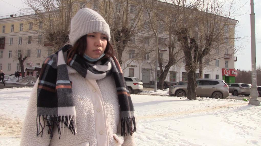 «Очнулась, увидела на снегу тесак и мой палец». Рассказ жертвы маньяка, нападавшего на азиатских девушек