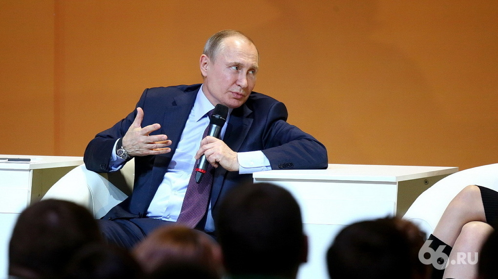 Владимир Путин продлил продуктовое эмбарго еще на год