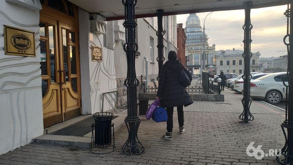 Вторая обсервация для врачей: сотрудников ЦГКБ №1 отправили на карантин в гостиницу «Центральную»