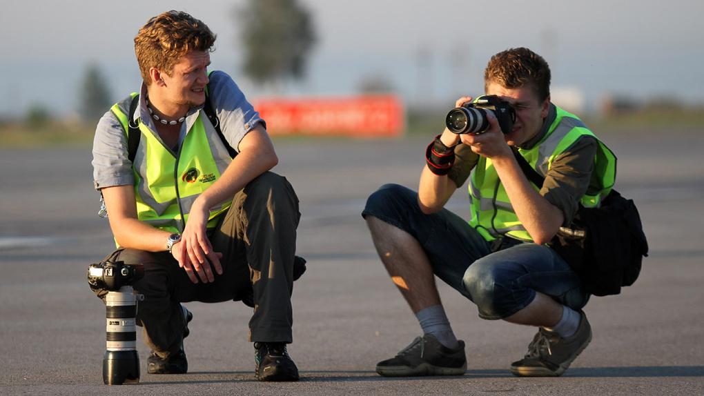Выйти из тени. Почему 25 миллионов нянь, фотографов и уборщиц должны платить налоги