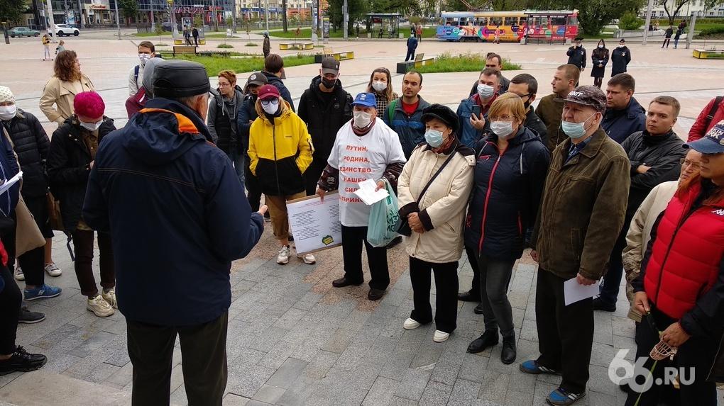 «Вам бы руки-ноги обрубить!» Как защитники парка 22-го Партсъезда собирают подписи для повторных слушаний