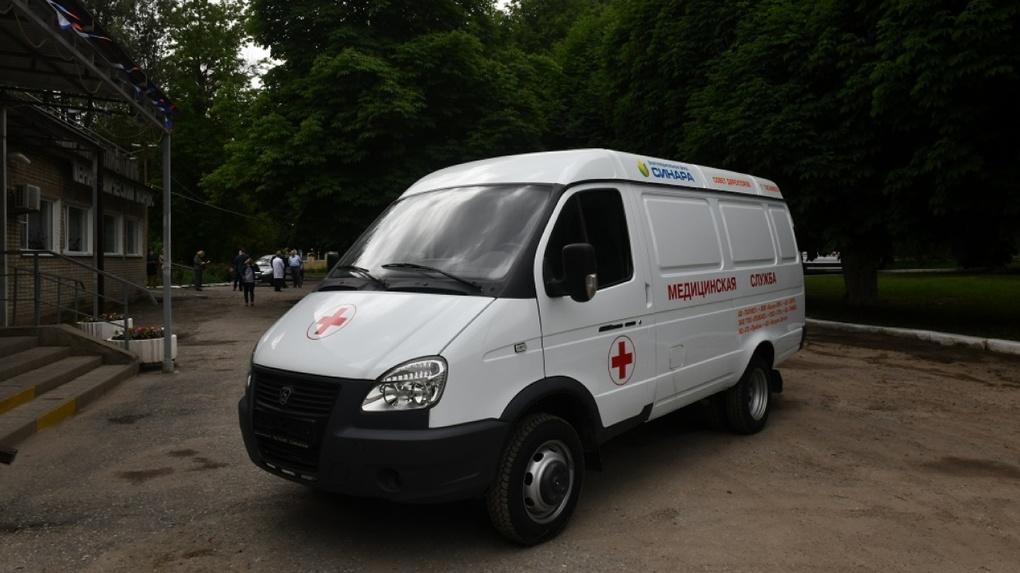 Благотворительный фонд «Синара» совместно с предприятиями Таганрога приобрел машину скорой помощи
