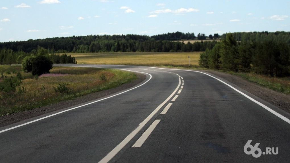 Предприниматель из Екатеринбурга купил дороги под Омском и теперь требует с местных плату за проезд