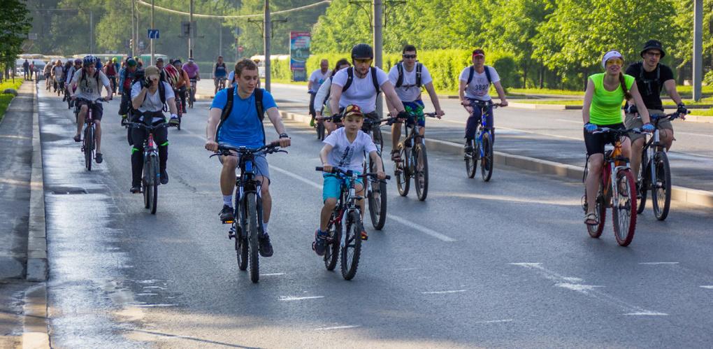 Давай крути педали: тысячи велосипедистов выехали на «Майскую прогулку — 2015»