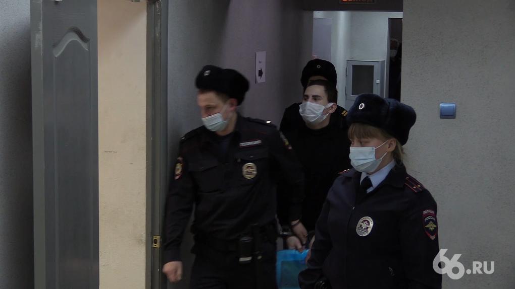 Оперативники ФСБ задержали семерых человек по делу о прослушке екатеринбургских политиков