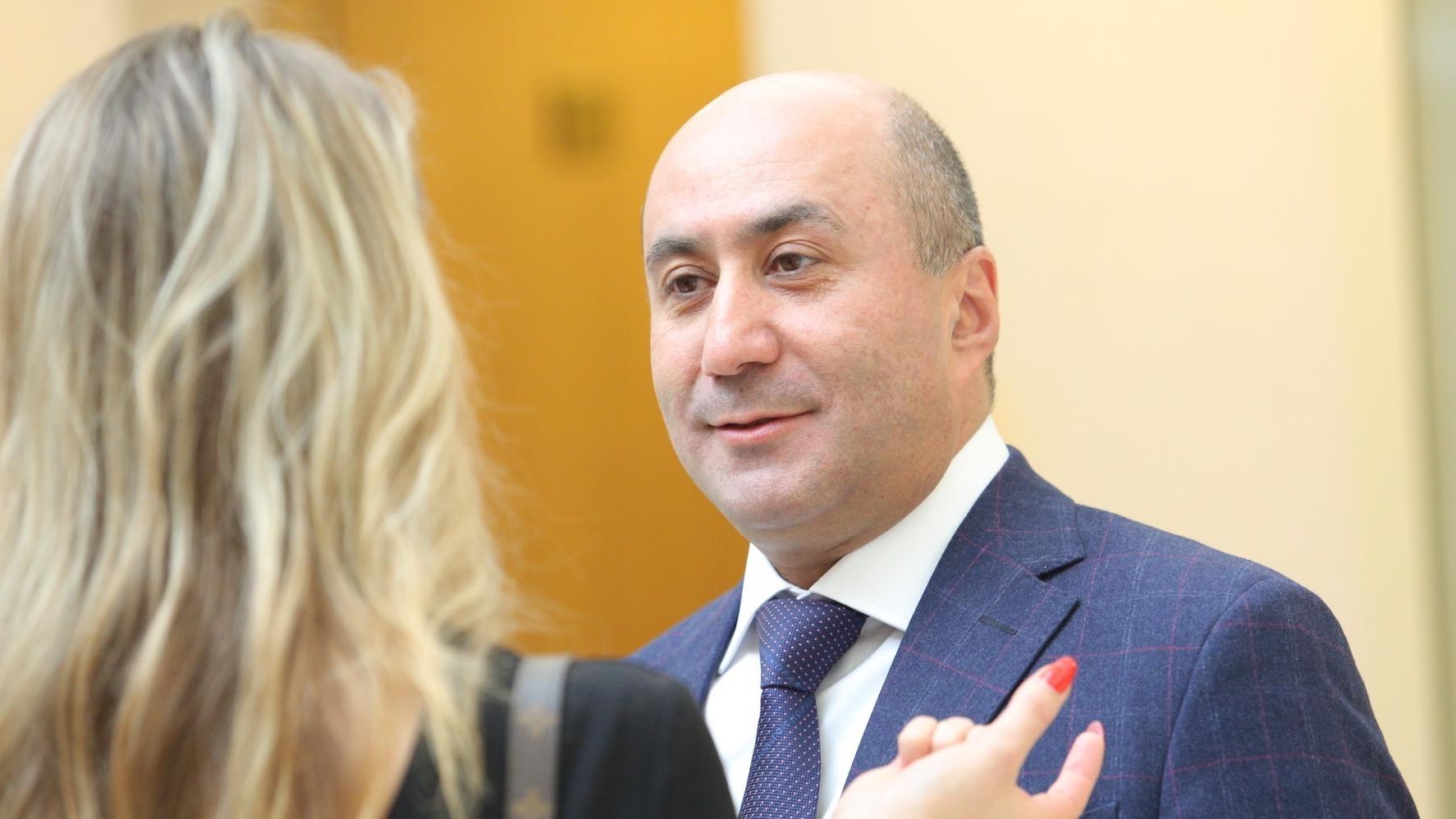 Депутат, которого мы потеряли. Чем запомнился уволенный Армен Карапетян